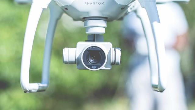 Polícia argentina flagra espião gremista com drone em treino do Lanús