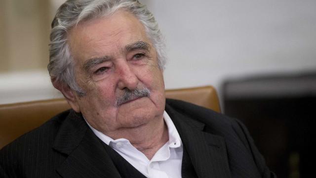 Pepe Mujica recebe título de Doutor Honoris Causa no RS