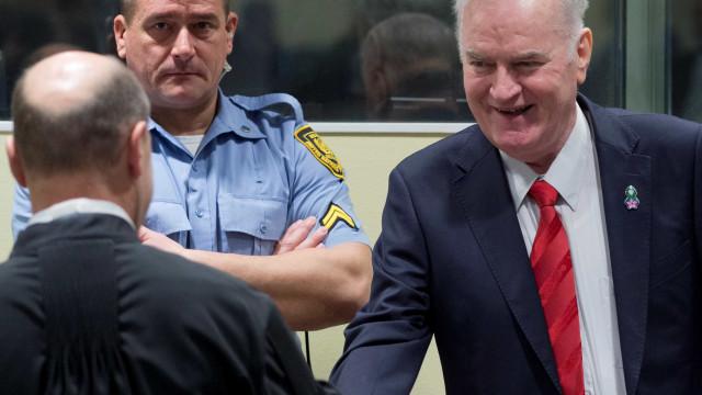 'Carniceiro da Bósnia' é condenado a prisão perpétua