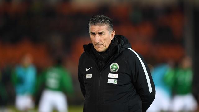A sete meses da Copa, Arábia Saudita oficializa demissão de Bauza