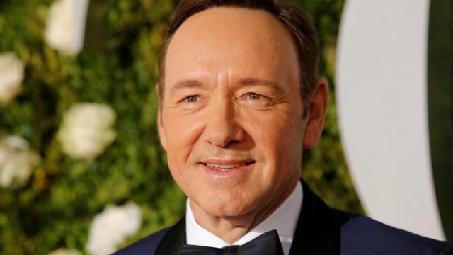 Polícia investiga nova denúncia de agressão sexual contra Kevin Spacey