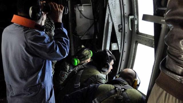 """Área de buscas do submarino San Juan registra """"anomalias"""""""
