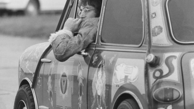 Diários roubados de John Lennon são encontrados em Berlim