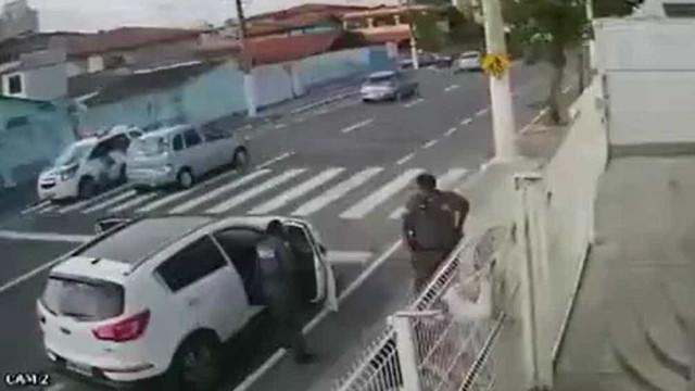 Polícia prende em flagrante dupla que furtou carro no ES; vídeo