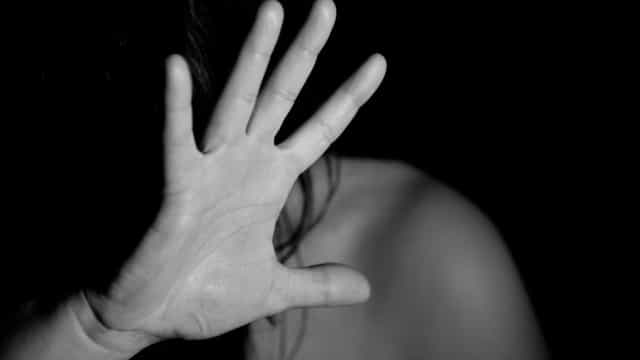 Polícia prende homem suspeito de estuprar as próprias filhas