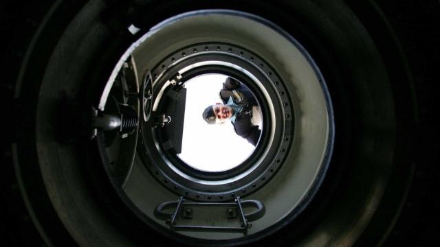 Busca de submarino 'é procurar agulha no palheiro', diz Marinha
