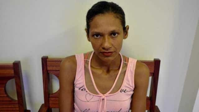 Mulher revela ter sido trocada por motor de barco aos 15 anos