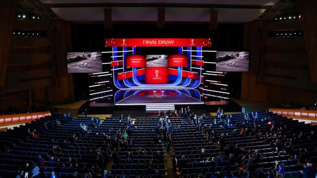 Fifa sorteia agora grupos da Copa na Rússia de 2018