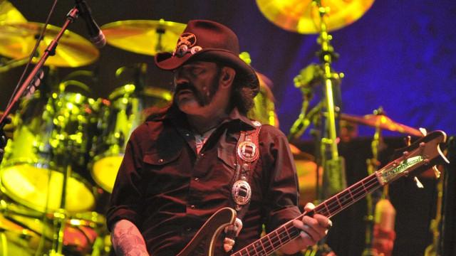 Fora do Motörhead: ouça a última música gravada por Lemmy Kilmister