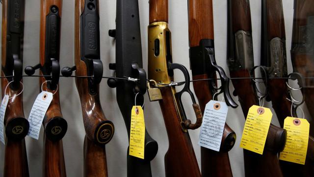Uruguai 'rivaliza' com Paraguai como provedor de armas a facções