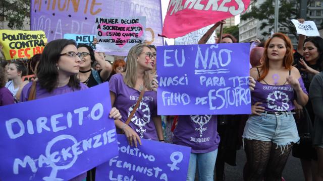 Pesquisa: 45% dos brasileiros conhecem uma mulher que abortou
