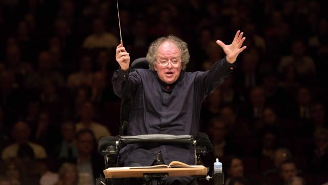 Acusado de abuso de adolescente, diretor da Ópera de NY é suspenso