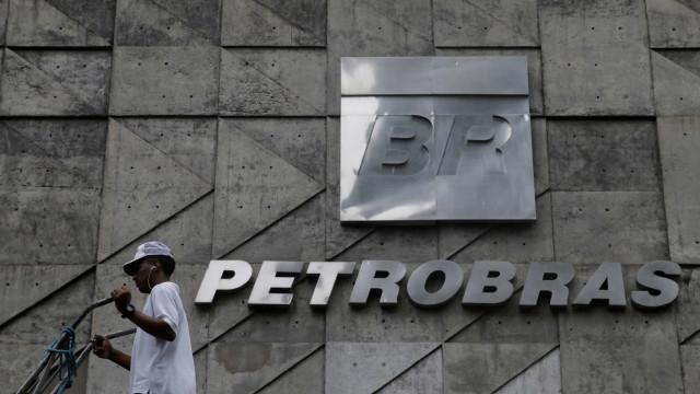 Petróleo 'continuará aí por muitos anos', diz presidente da Petrobras