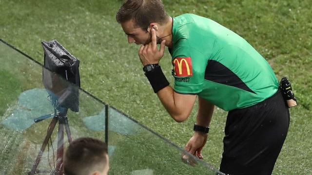 Mundial de Clubes da FIFA terá árbitro de vídeo