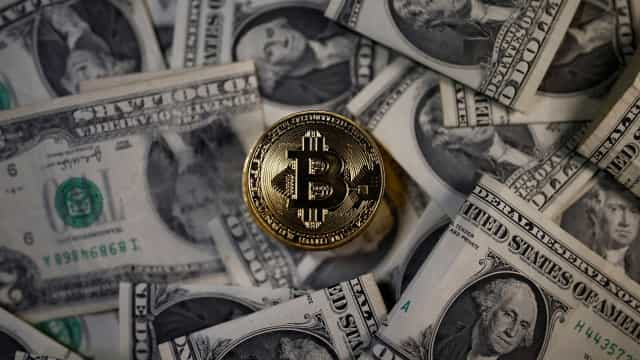 CBOE inicia negociação de futuros de bitcoin e cotação dispara