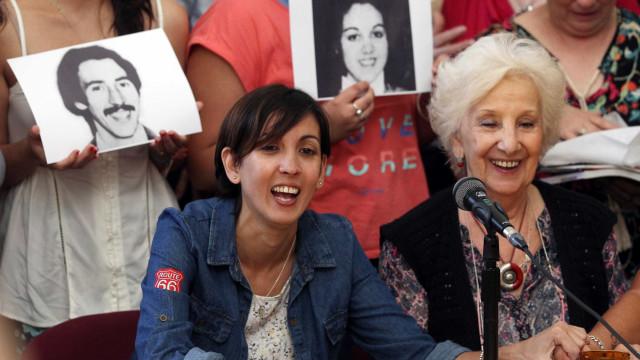 Argentina sequestrada por militares quando bebê reencontra família