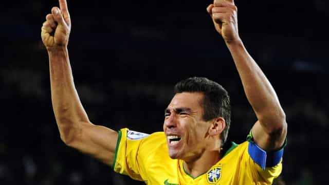 Ex-capitão da seleção brasileira volta aos gramados