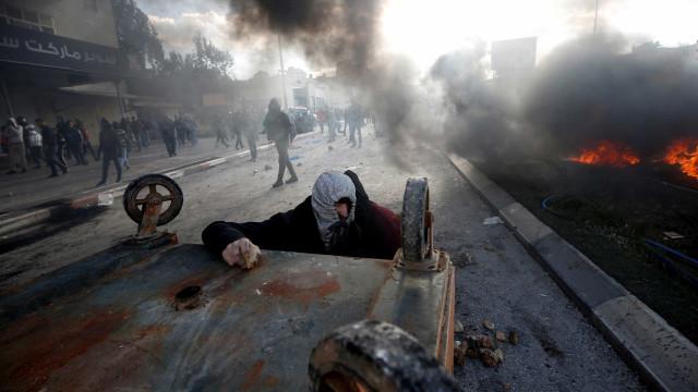 Israel e Palestina: confrontos deixam mais de 100 feridos