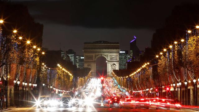 Estado Islâmico ameaça transformar Paris em 'inferno' no Ano Novo