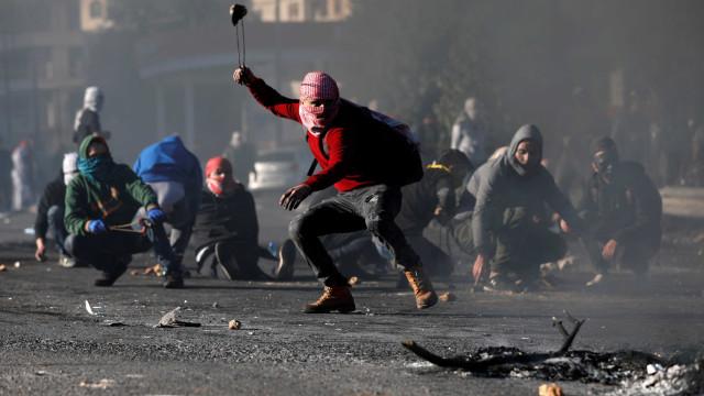 Cisjordânia registra mais de 200 feridos e dois mortos em confrontos