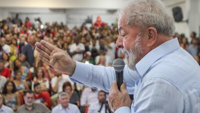 Lula: 'Ninguém eleito teria coragem de fazer o que Temer está fazendo'