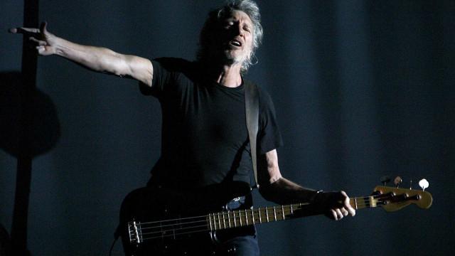 Roger Waters cogita ato com foto de Temer em turnê