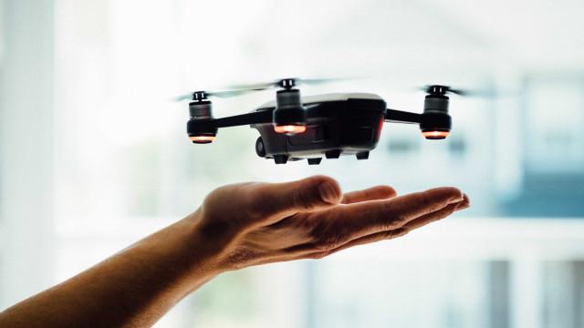Japão vai combater trabalho compulsivo com música e drones