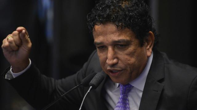 Magno Malta usa CPI para se cacifar como vice de Bolsonaro