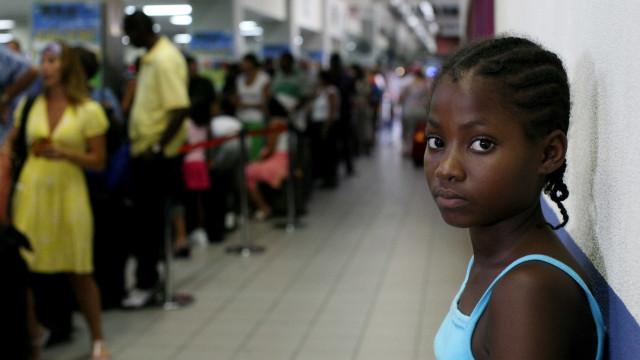 Jovens negras correm mais risco de morrer do que brancas, diz estudo