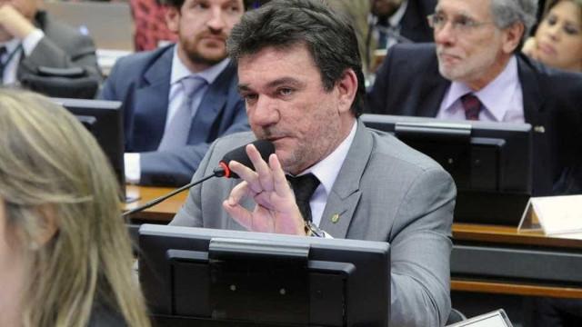 Deputado, presidente do Corinthians descumpre promessa de se licenciar