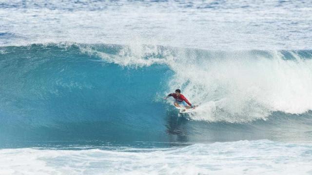 Medina perde no Havaí e vai à repescagem; John John avança direto