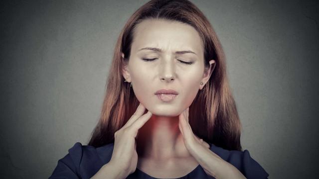 4 doenças que podem estar por trás da sua dor de garganta