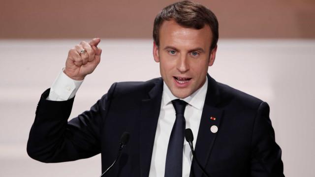 França promete atacar Síria em caso de provas de uso de armas químicas