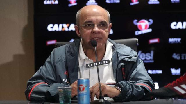 Erros sempre acontecem contra o Flamengo, diz presidente rubro-negro