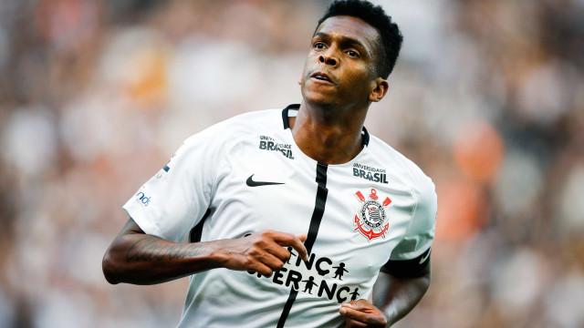 Corinthians e Nike renovam contrato até 2029