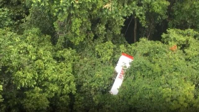 FAB trabalha no resgate de família morta em acidente aéreo