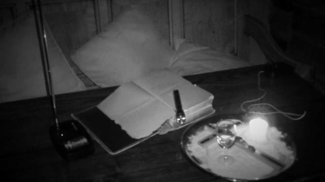 Suposto fantasma é filmado movendo bíblia no Reino Unido
