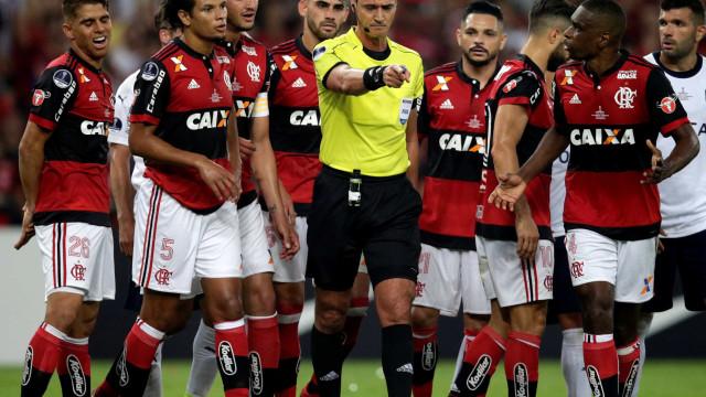 Cuéllar pede desculpas e Rueda diz que permanece no Flamengo em 2018