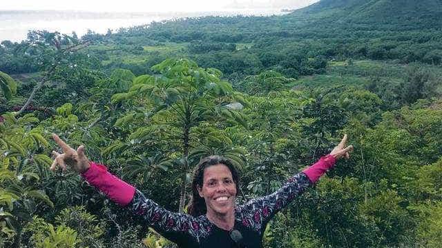 Brasileira morta no Havaí cativou no sorriso e com 'famoso' pão de mel