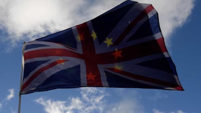 UE autoriza início da segunda fase de negociações do 'Brexit'