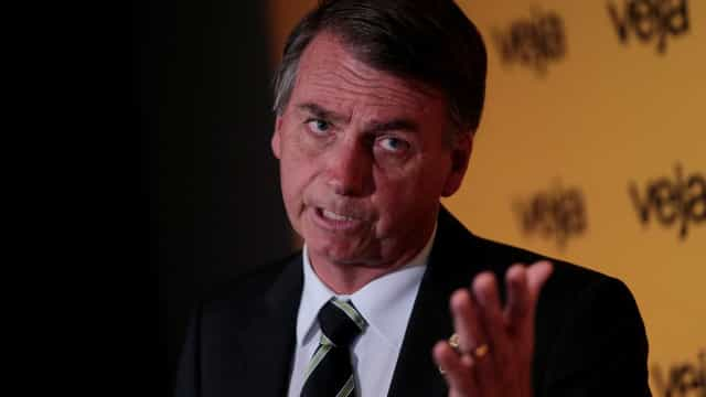 Bolsonaro se diz alvo de 'campanha de assassinato de reputação'