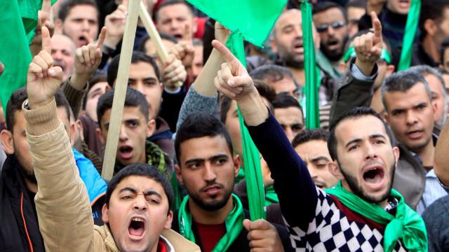Faixa de Gaza: 260 palestinos ficam feridos em protestos contra Israel