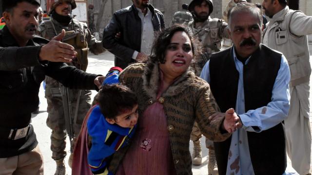 Estado Islâmico assume atentado contra igreja no Paquistão