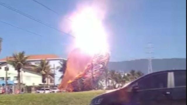 Balão cai em bairro residencial, provoca explosões e assusta moradores