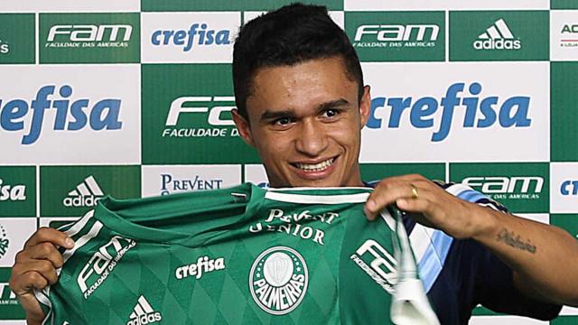 Atlético-MG confirma contratação por empréstimo de Erik, do Palmeiras