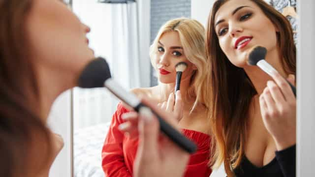 O que fazer para que a maquiagem dure a noite toda