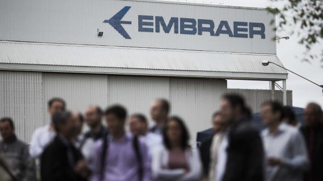 Ações da Embraer sobem com notícia de que Boeing quer divisão militar
