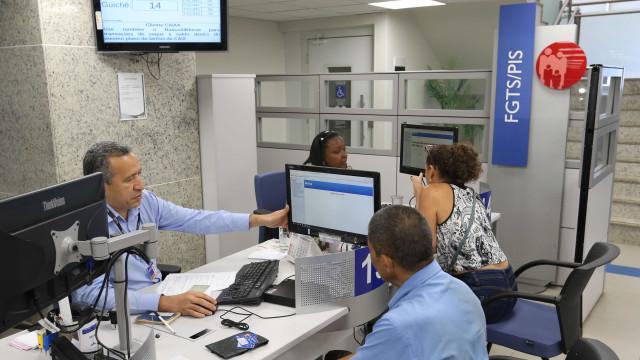 Saques do PIS injetam $ 3 bilhões no mercado brasileiro