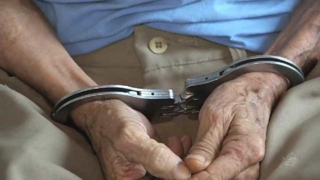 Idoso é preso após matar diarista a pauladas por suspeita de traição