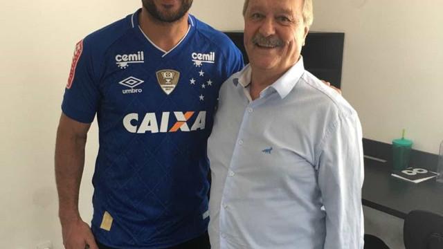Cruzeiro supera concorrência da dupla Fla-Flu e acerta com Fred